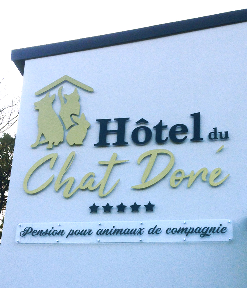 LOGO-hotel-chat